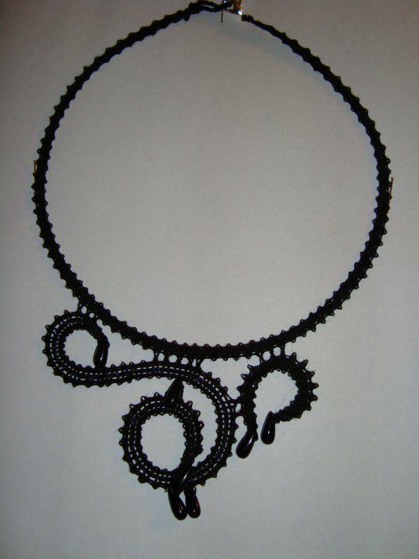 6cc5e78fca9d49 Collana nera con cristalli di Franca Fortini – Perline creare ...